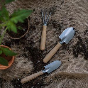 Kel Lake Garden-Garden accessories
